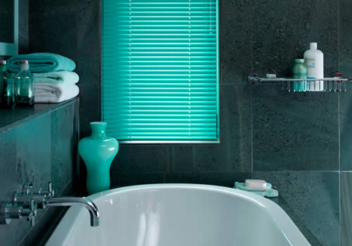 Venetian Blinds in Electric Aqua