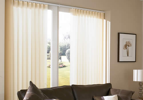 Vertical Blinds in avensis beige